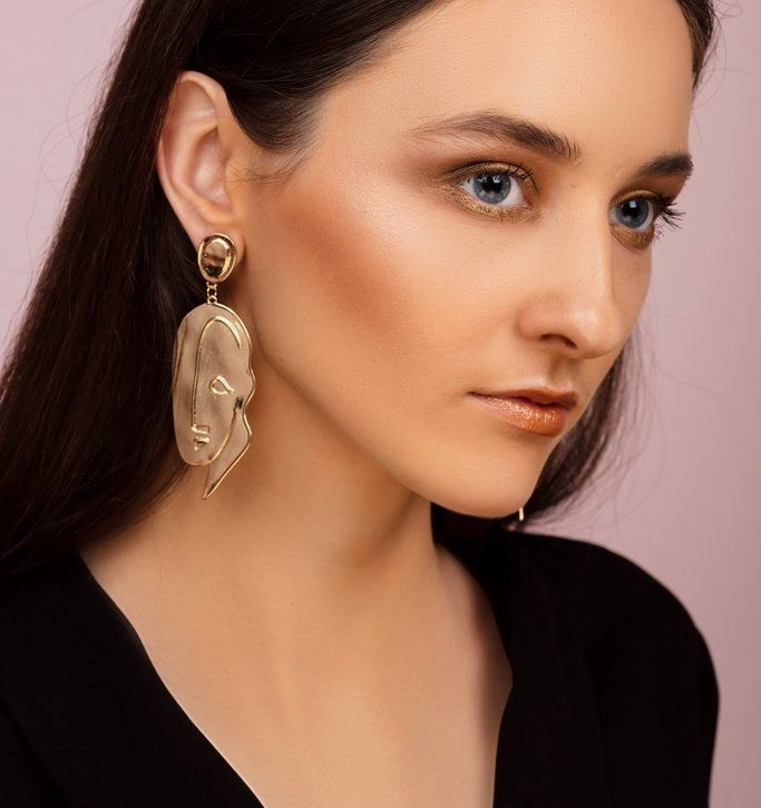 new_fashion_trend_bold_and_big_earings_jewelry