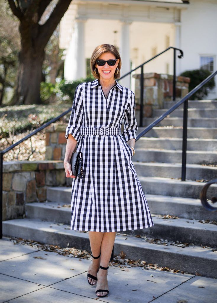 new_fashion_trend_checkered_dress_outfit