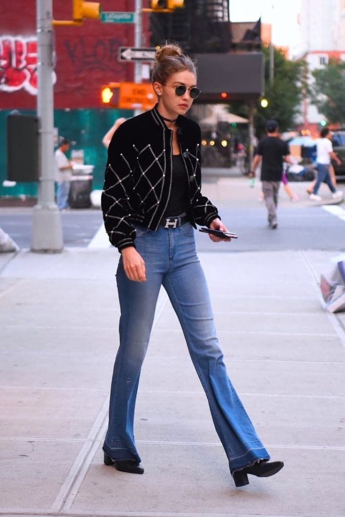 new_fashion_trend_gigi_hadid_flare_jeans_outfit