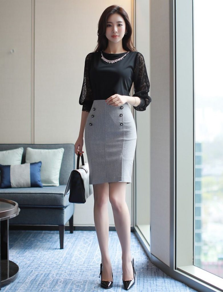new_fashion_trend_korean_pencil_skirt_and_blouse_outfit