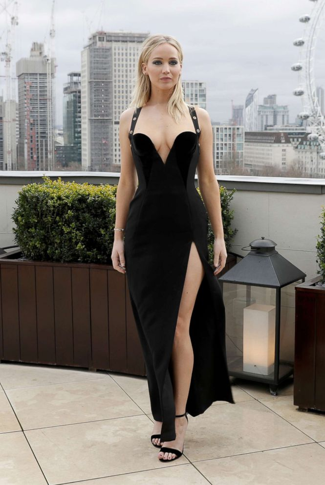 new_fashion_trend_revealing_dress_for_girls