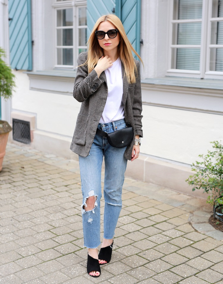 new_fashion_trend_waist_bag_with_jeans