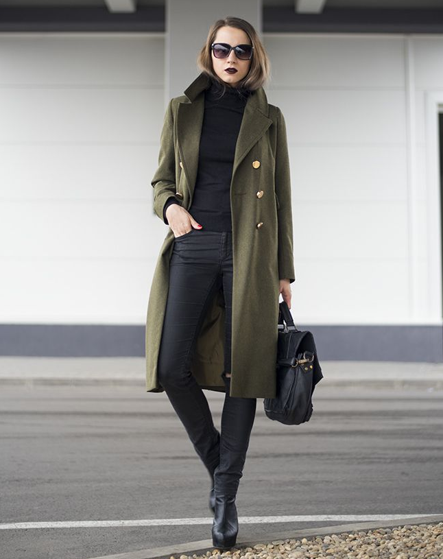 cute outfits with black jeans and turtleneck coat
