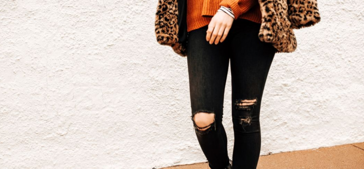 Cute Outfits With Black Ripped Jeans