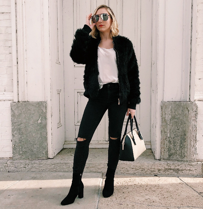 cute outfits with black ripped jeans and faux fur
