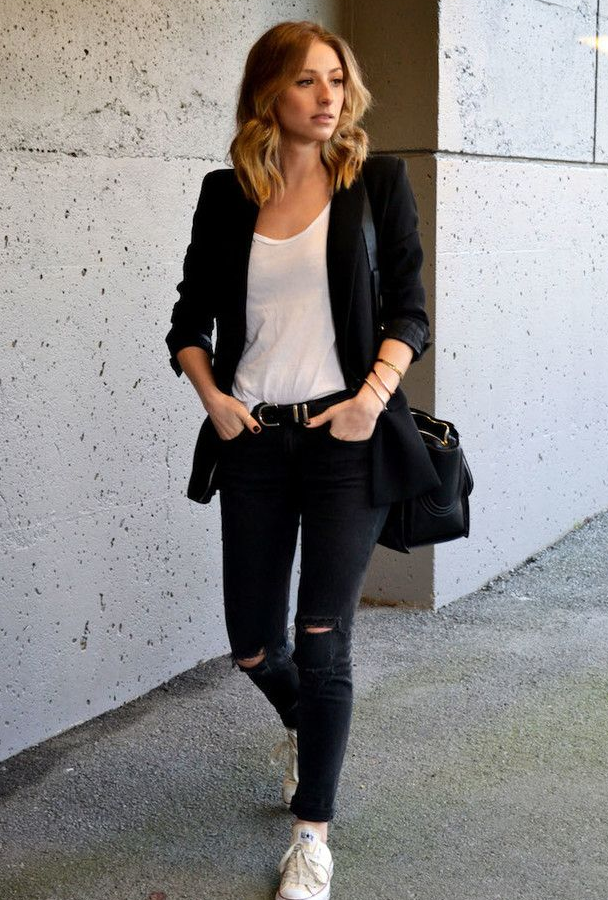 cute outfits with black ripped jeans and white tshirt