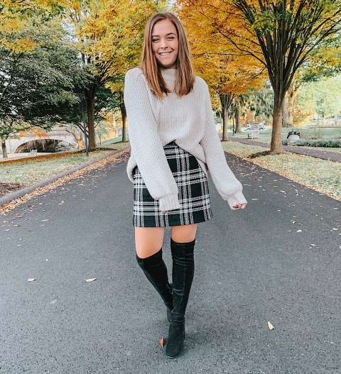 new_fashion_trend_paid_skirt_and_oversize_sweaters